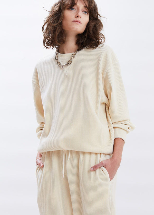 Luxe Corduroy Crewneck Sweatshirt in Vanilla Sweatshirt The Frankie Shop