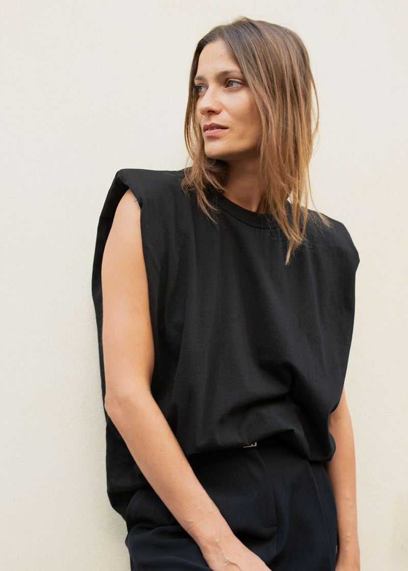 Padded Shoulder Muscle T-Shirt in Black top The Frankie Shop