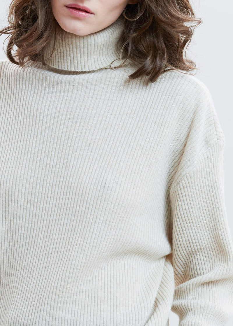 Ribbed Merino Knit Roll Neck Sweater in Shell Sweater La Terre