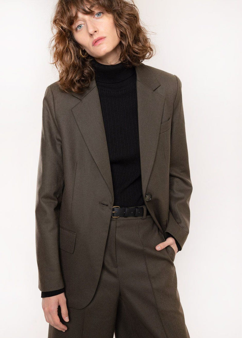 Single Button Flap Pocket Blazer in Mud Blazer Cafe Noir