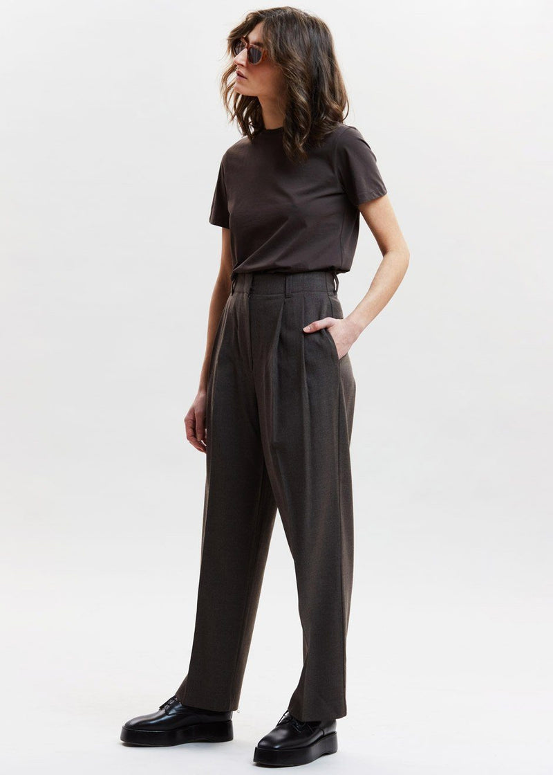 Straight Belted Pleat Pants in Carafe Pants Tulip Star