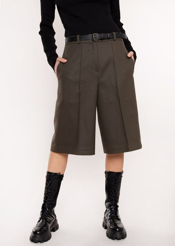 Tailored Pressed Crease Trouser Shorts in Mud Shorts Cafe Noir