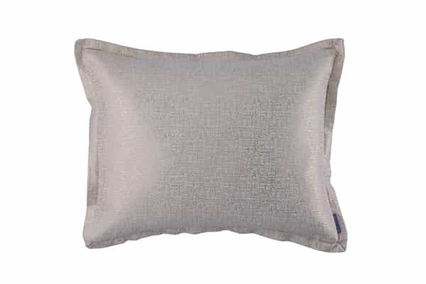 SOPHIA STD PILLOW IVORY LINEN / GOLD LUREX 20X26 (INSERT INCLUDED)