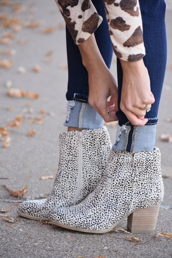 Leo Cheetah Booties