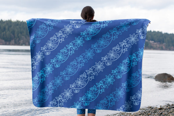 Authentic Native & Metis Azure Sherpa Blanket: Water Collection - Soul Curiosity