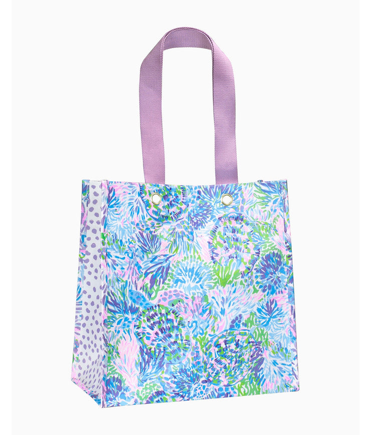 Market Shopper Tote in Shell of a Party