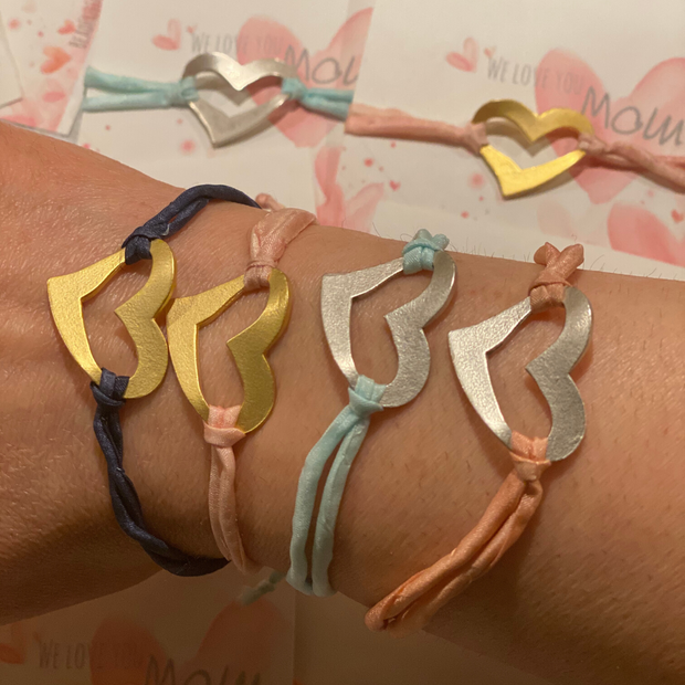 Love Mom Heart Bracelet