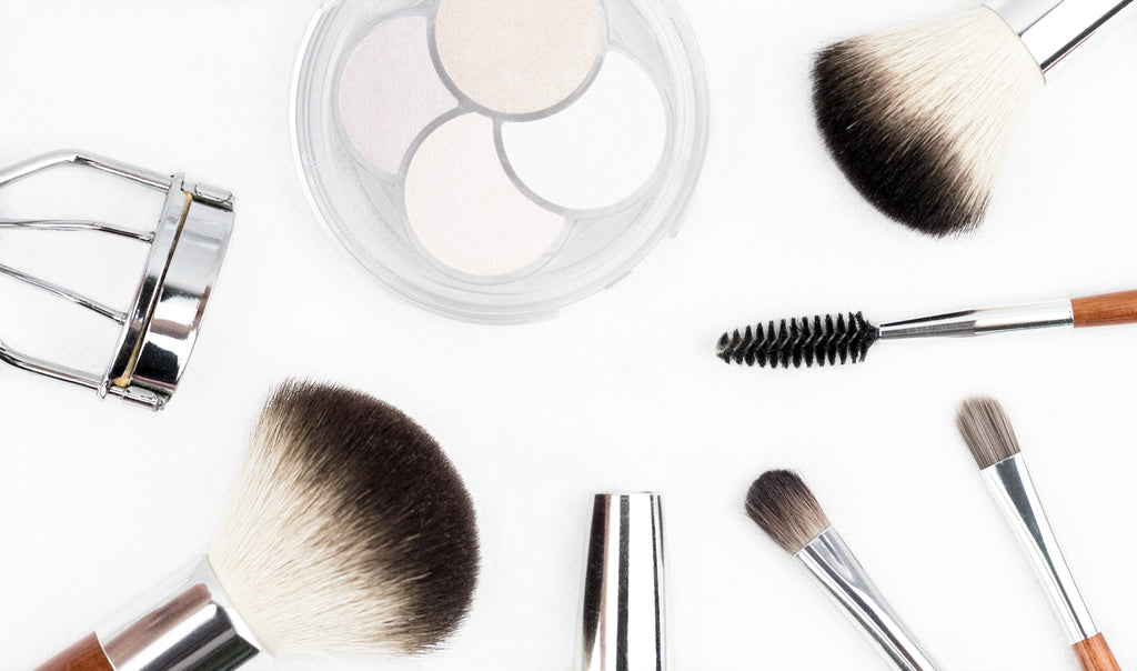 3 Ways to Clean Your Makeup Brushes Naturally and Chemical Free!