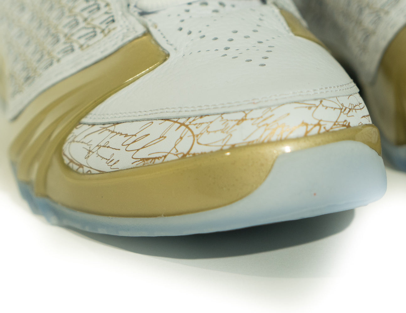 Air Jordan + TROPHY ROOM XX3 (5/23)