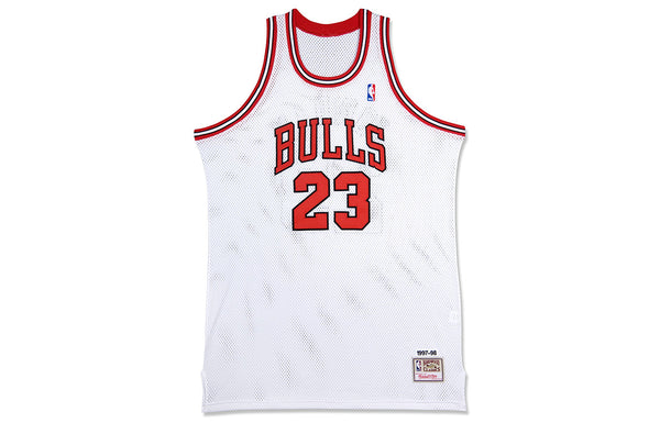 MICHAEL JORDAN SIGNED '97-'98 HOME JERSEY