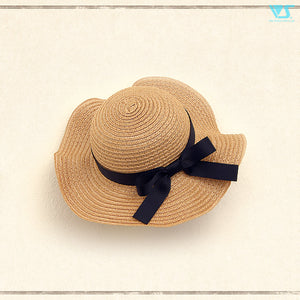 Straw Hat (flared brim / black ribbon)