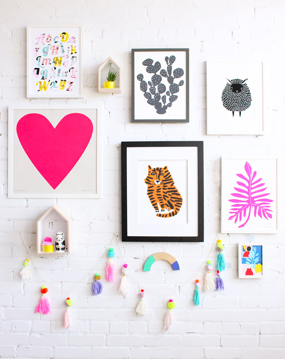 8 ways to display printables in the home kids bedroom, the nursery even the bathroom - Happy Joy Decor