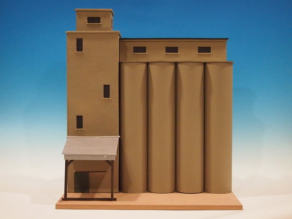 #315 - O Scale - Grain Silo Kit