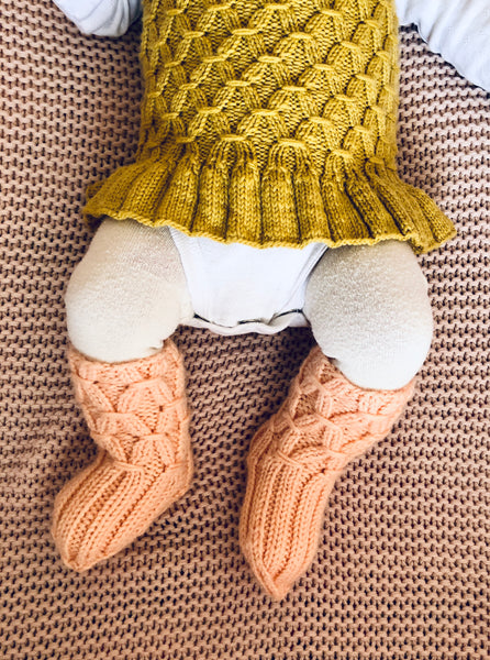 Minnie's Baby Booties - English