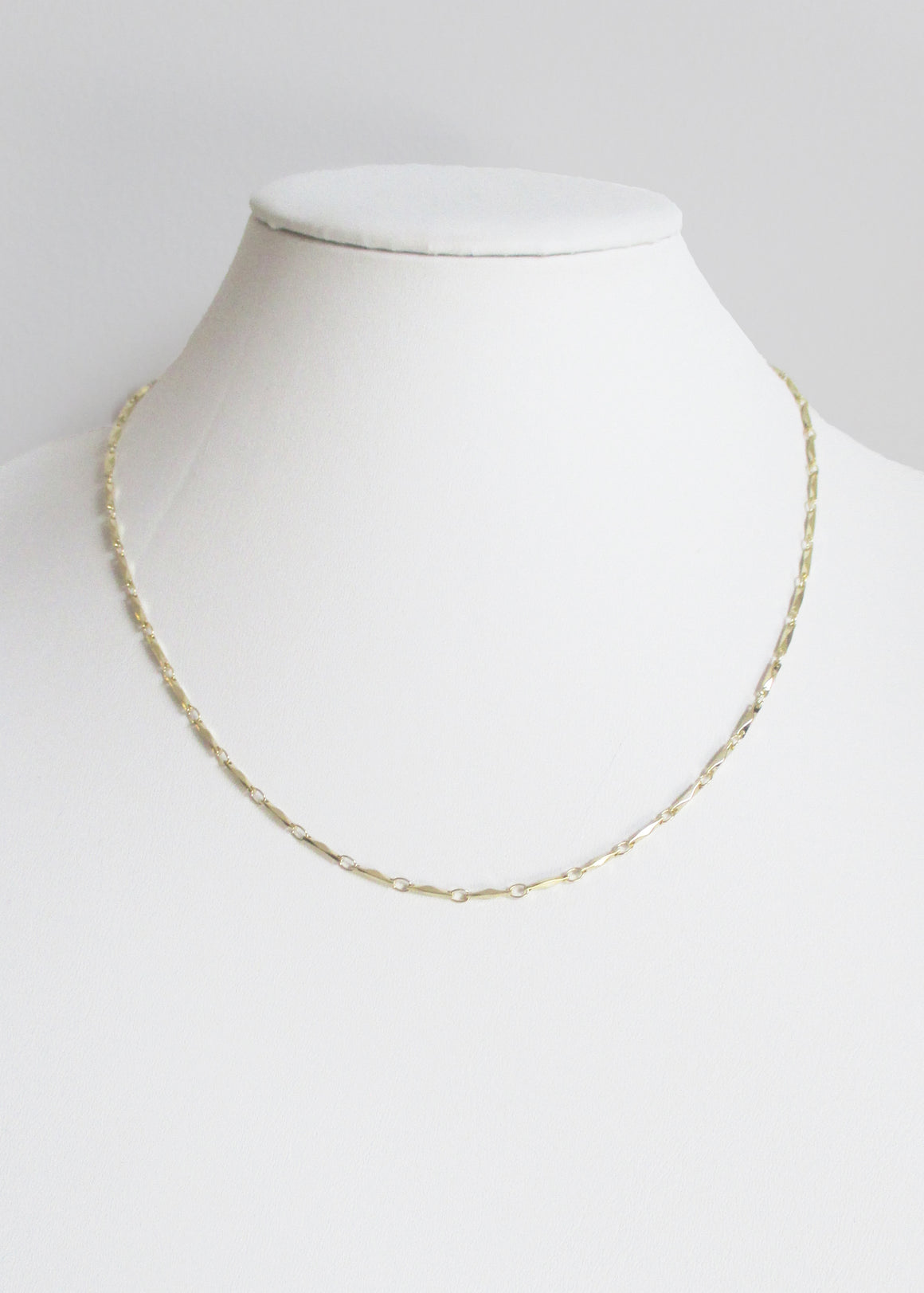 ANYA MID LENGTH NECKLACE