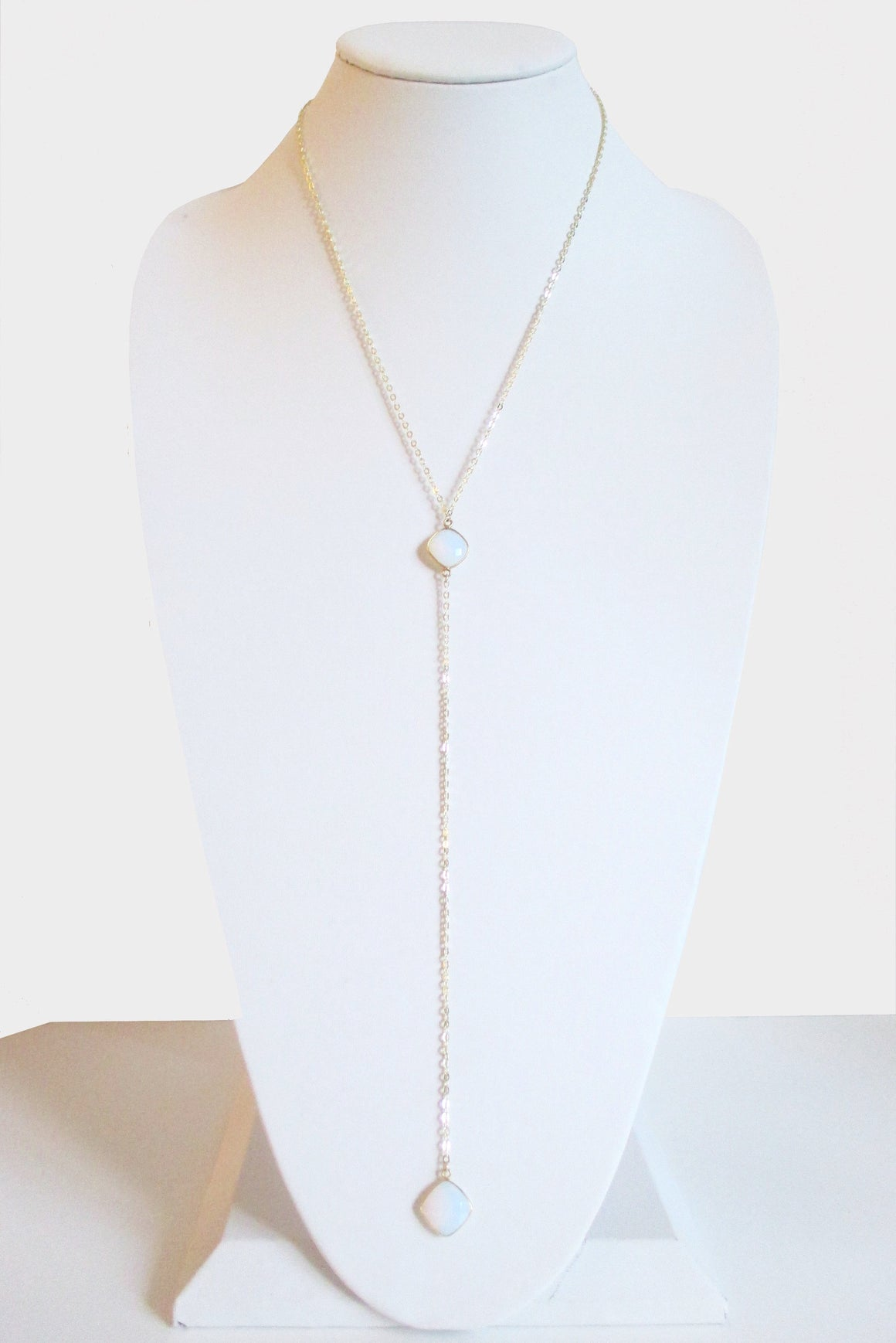 CELESTE Y NECKLACE WHITE OPAL