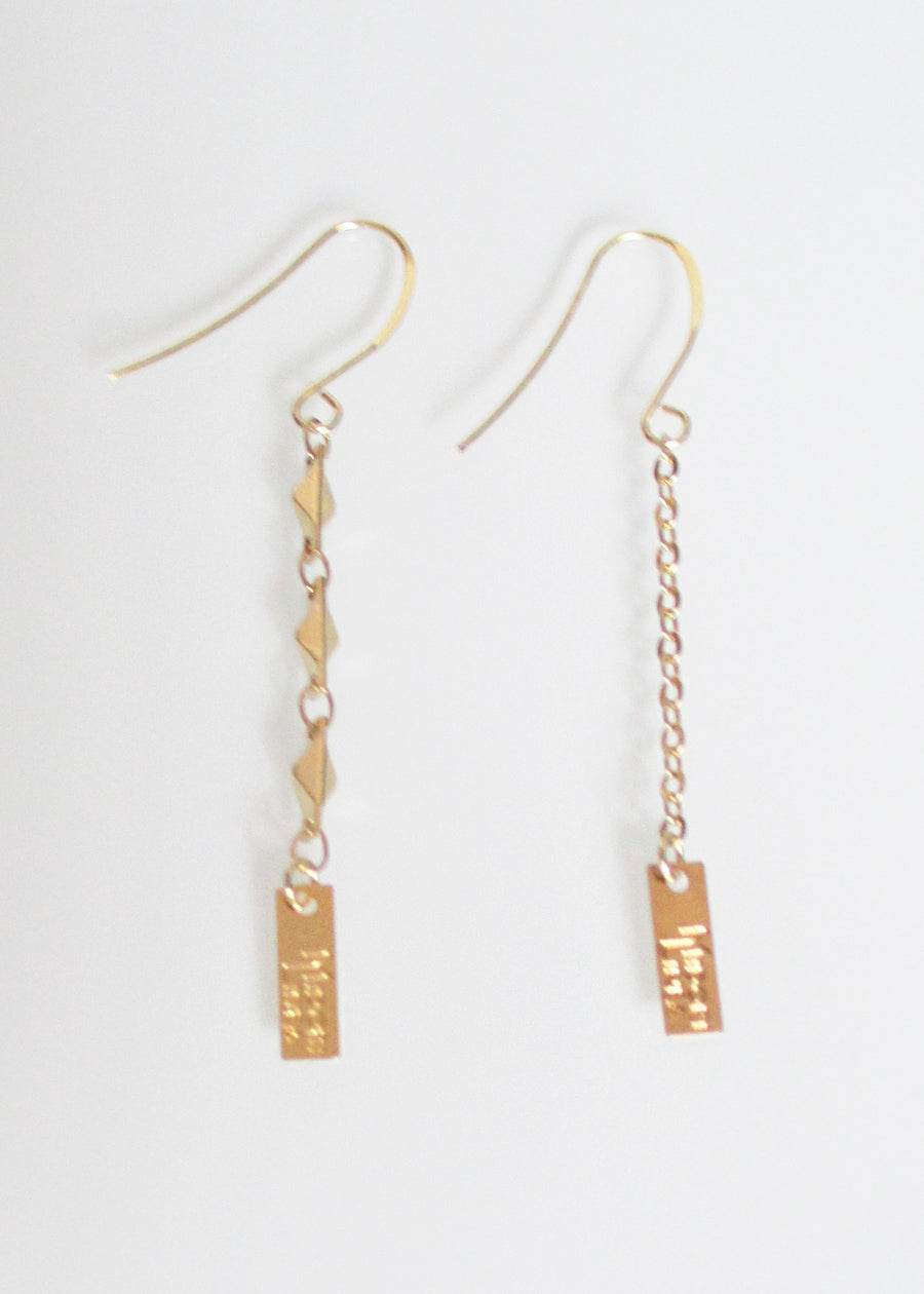 SAMPLE SALE LIVEOUTLOUD ARIANA TRIPLE LOGO EARRING & LIVEOUTLOUD CABLE LOGO EARRING