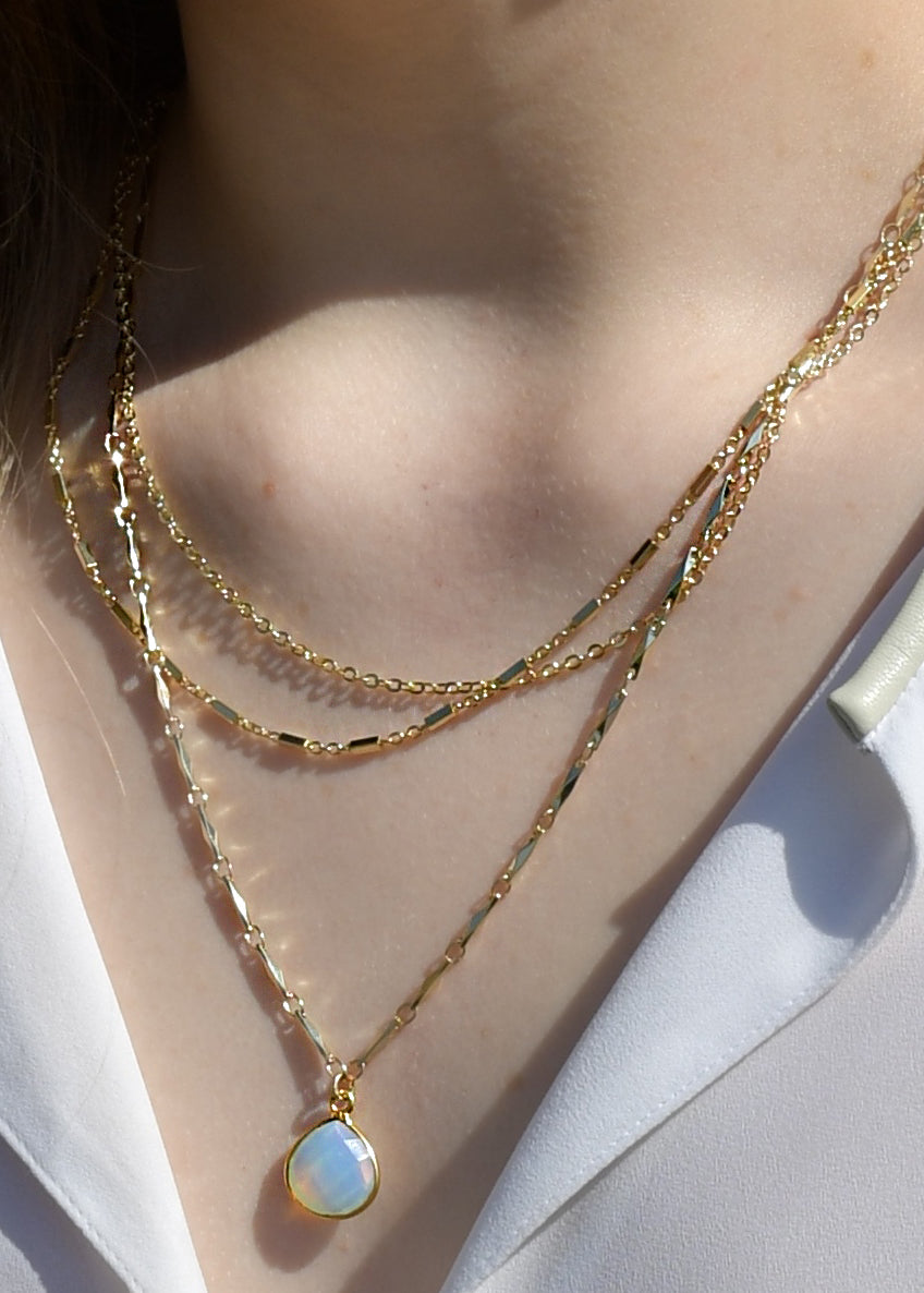 METALLIC OCEAN THREE TIER CHAIN AND WHITE OPAL GEMSTONE NECKLACE