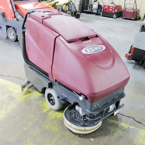 Used Minuteman Easy Scrub 2832 HD 32""