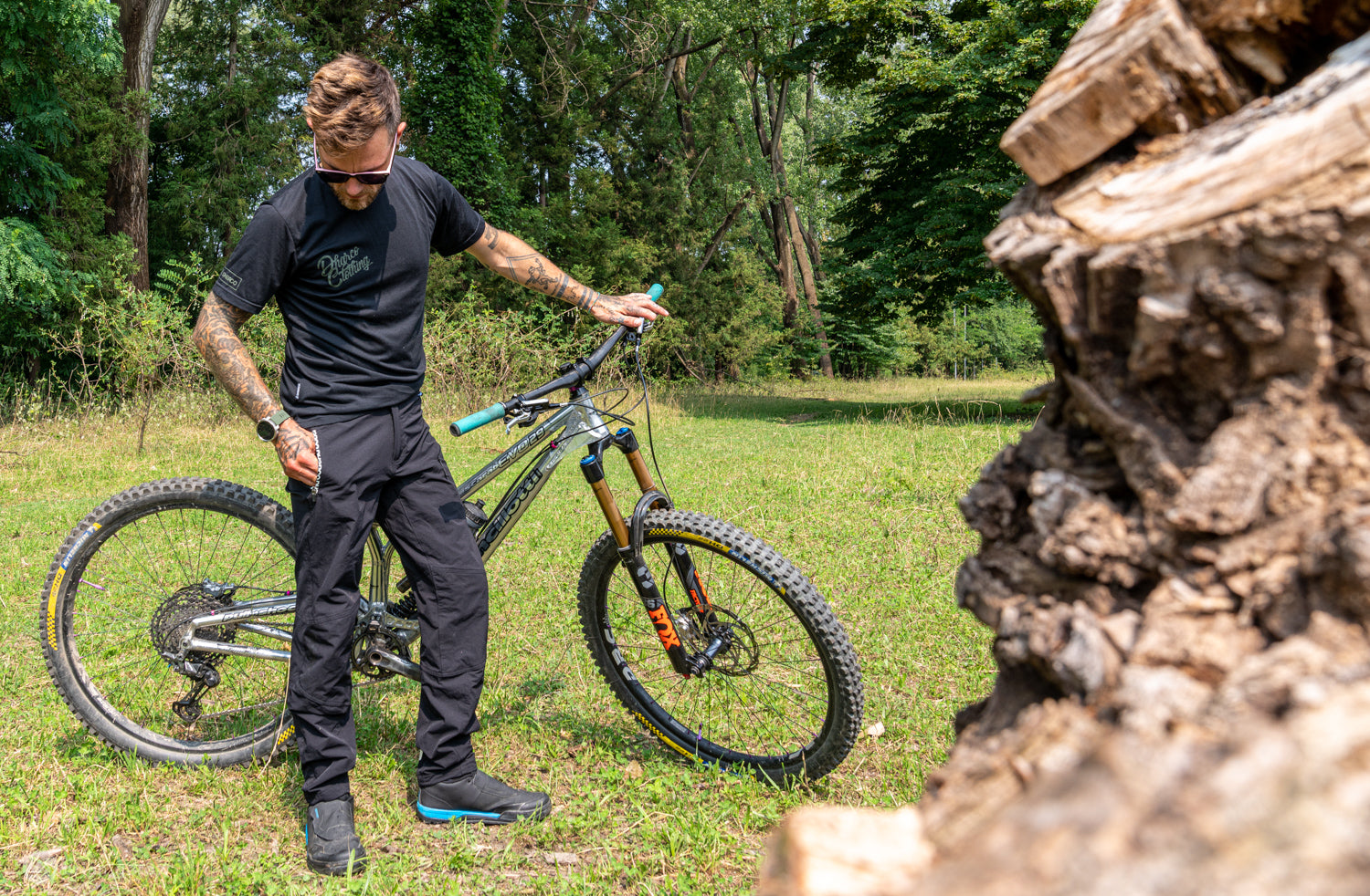 Singletracks Review: Gravity Pants Just Might Replace Your Favourite Jeans