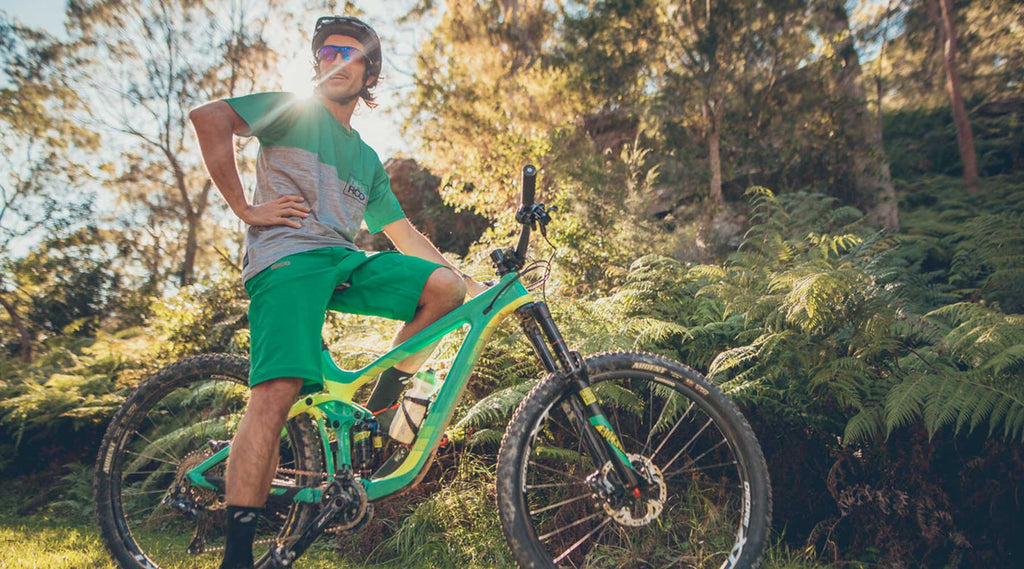 FLOW MTB DHARCO CLOTHING REVIEW 2017