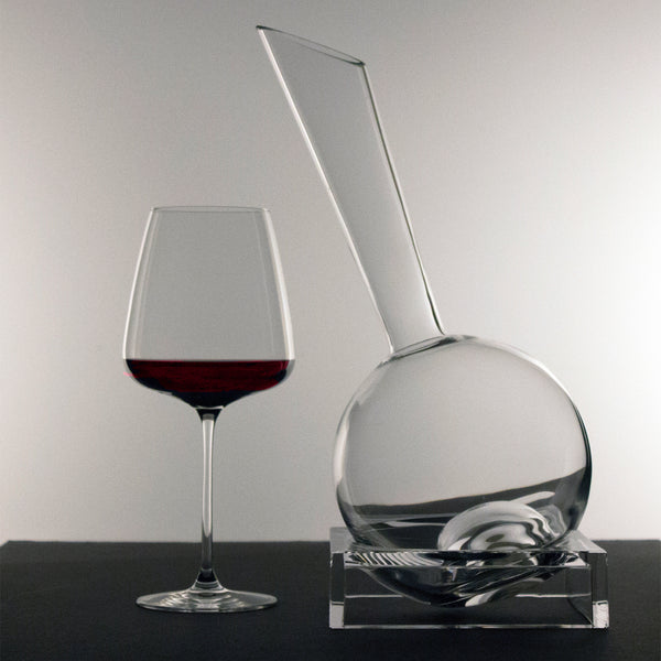 Vinnochio Decanter w/Base
