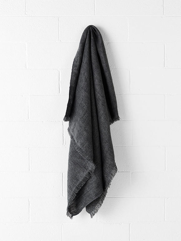 Aura Vintage Linen Throw Flint