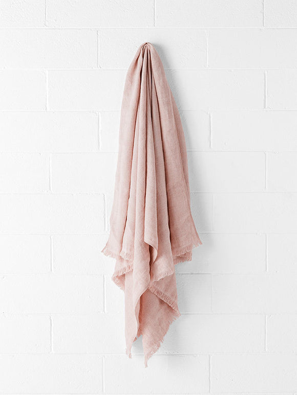 Aura Vintage Linen Throw Rose Dust