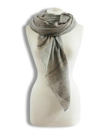 Fine-looking style, a subtle elegant assessory.  Beautiful hand woven scarf merino wool and cashmere