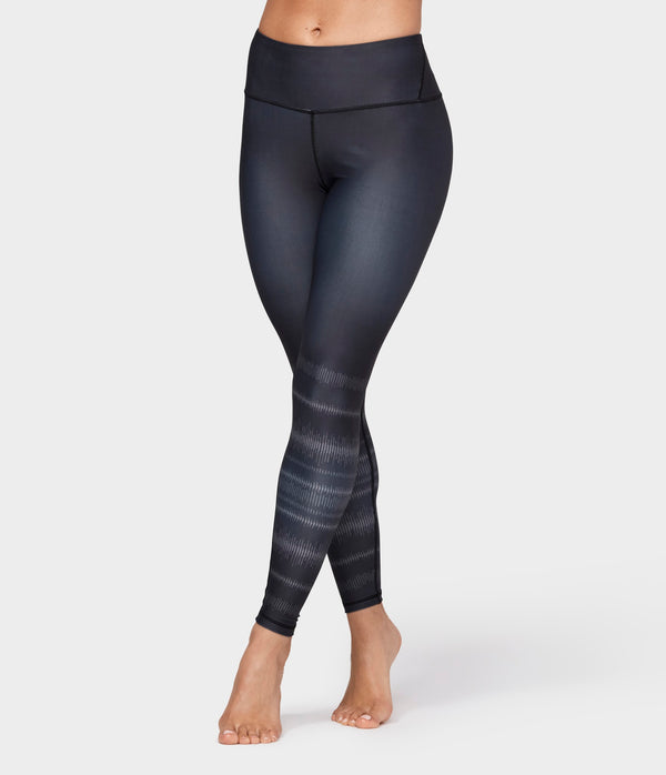 Manduka Apparel - Women's Etch Print Legging - Black Multi
