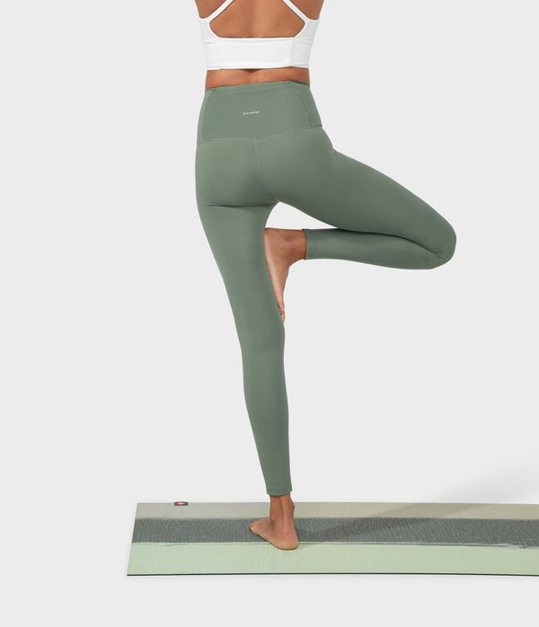 Manduka Apparel - Women's Performance Legging - High Rise W/Media Pocket - Laurel Wreath