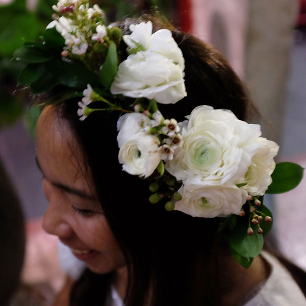 Pearl White Ranunculus Crown