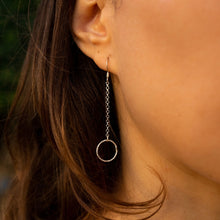 Load image into Gallery viewer, Cirque Dangly Chain Diamond Cut Earrings
