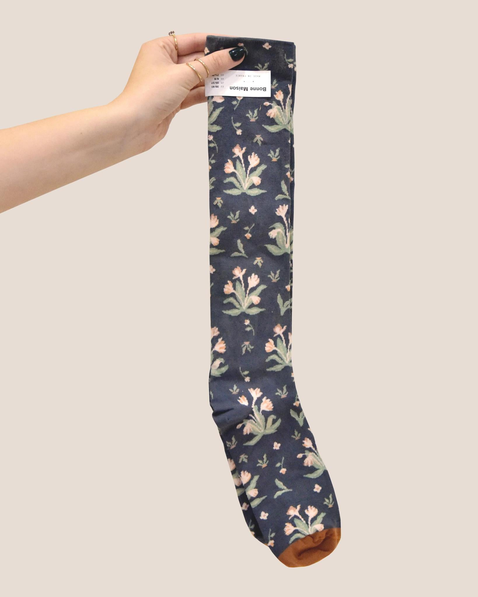 BONNE MAISON Bouquet Knee-High Sock / Steel