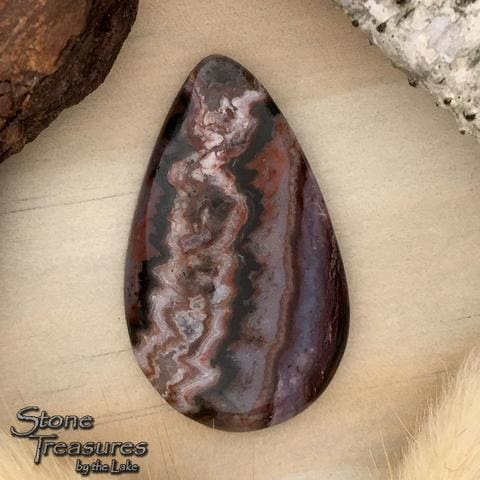 Cady Mountains Seam Agate Cabochon - Stone Treasures by the Lake