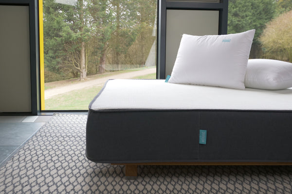 HUGGE Mattress and pillows offer