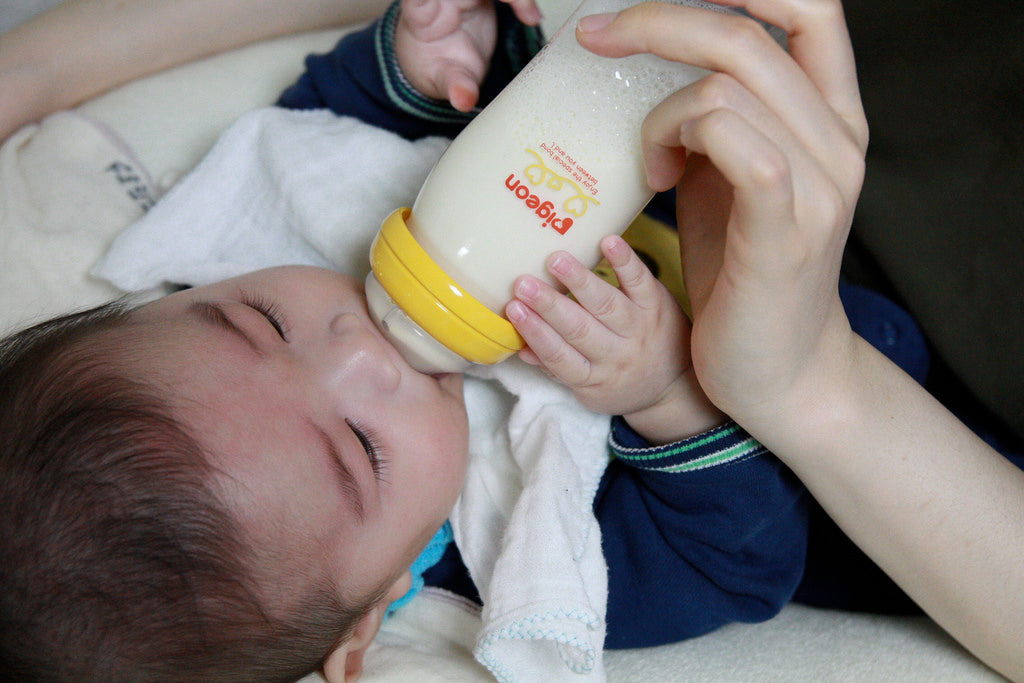 Can you mix liquid baby formula with powered baby formula?