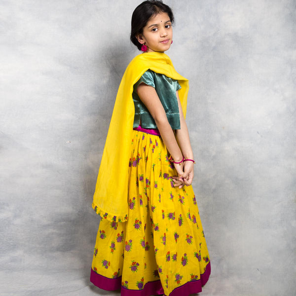 Girls Lehnga Set for Holi