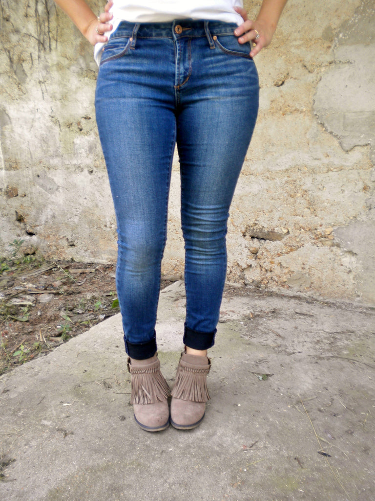 Buttery soft, best fitting skinny jeans ever!  These have a non distressed, classic look.