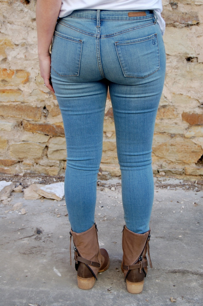 Articles of Society Mya cut skinny jean in London wash.