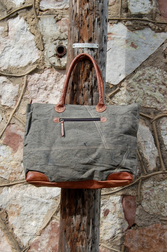 Dakota Shoulder Bag - Kade & Cate