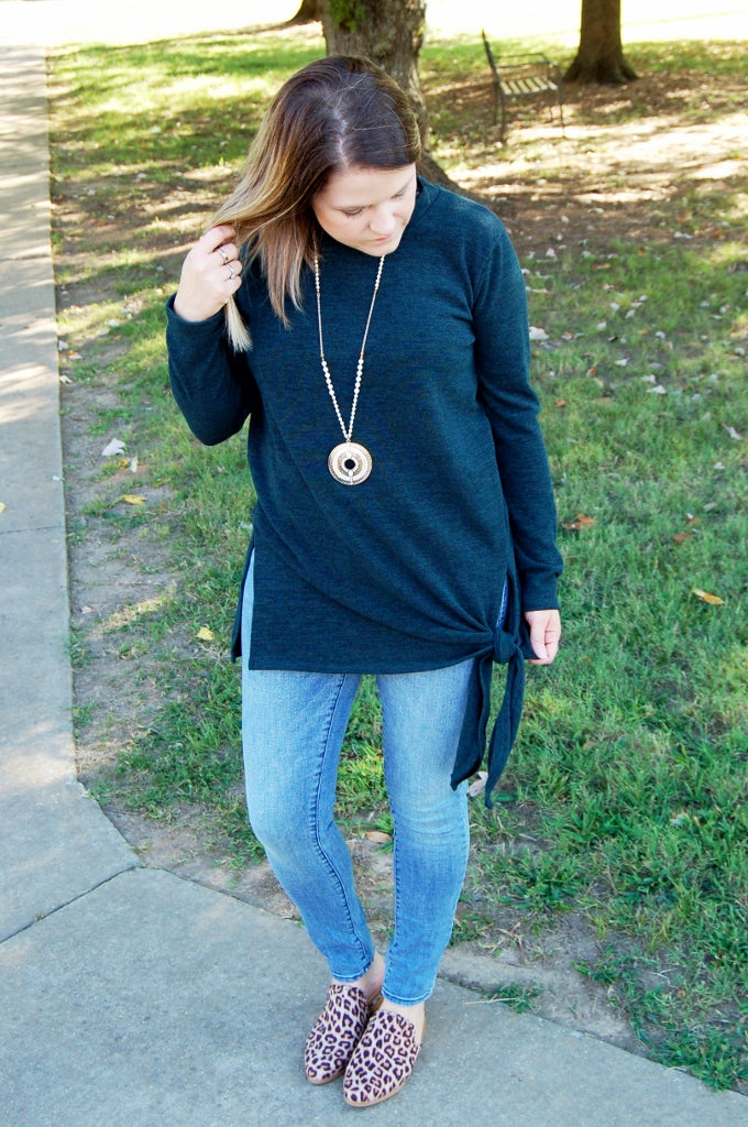 Bohemian style solid side knot self tie sweater.