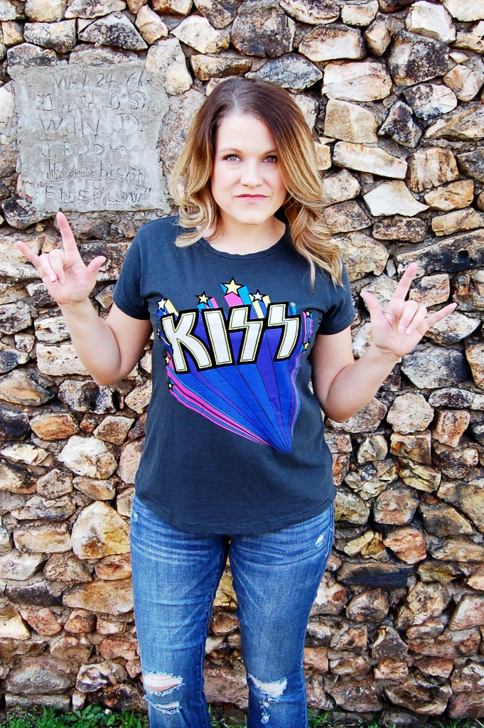 Kiss Flocked Tee