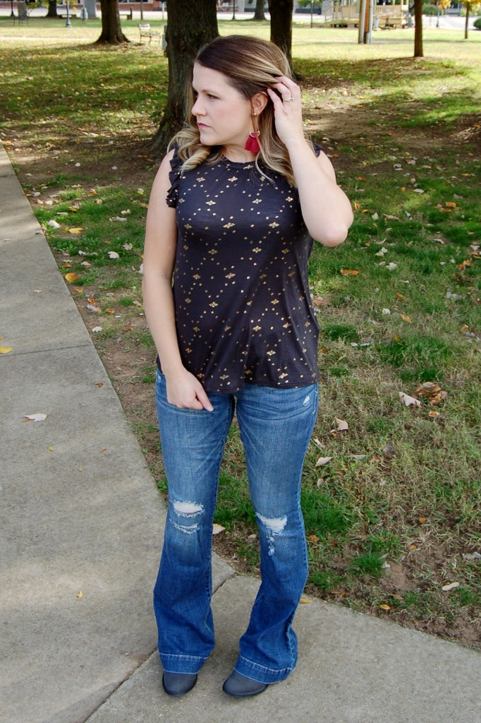 Lucky Brand metallic printed peasant top with flutter sleeve.
