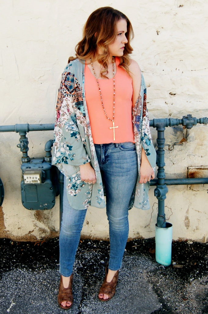 Entro spring bohemian floral print lightweight flowy front tie kimono.  Spring layering kimono.  Floral cover up.