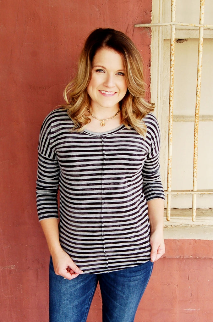 Lucky Brand grey multi striped 3/4 sleeve casual fall transition top.
