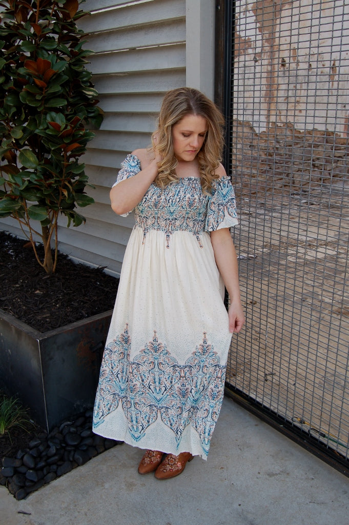Vintage inspired, retro style dress with smocked body.  Bohemian style maxi dress by Entro.