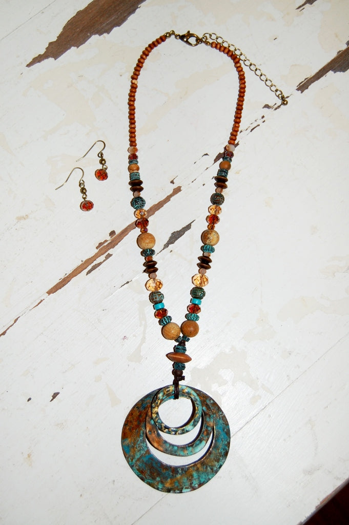 Bohemian western style hammered circle pendant necklace