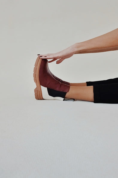 GRACIELLA BORDEAUX/CREAM LEATHER CHELSEA BOOTS