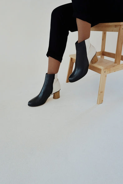 CHLOE BLACK/CREAM LEATHER BOOTS